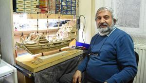 Sivaslı şoför, deniz sevgisini gemi maketlerine yansıtıyor