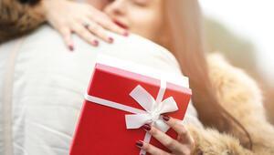 Sevgililer Günü ne zaman hangi güne denk geliyor İşte Sevgililer Günü hediye önerileri