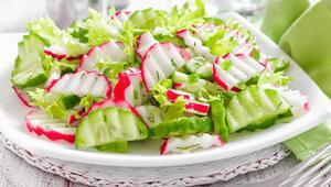 Bu Malzemelere Dikkat Salatalara Asla Koymayın