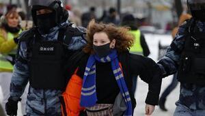 Rusya karıştı Binlerce kişi gözaltında