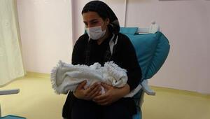 Köy yolu açılarak hastaneye ulaştırıldı, dünyaya gelen bebeğe Berfin adı verildi