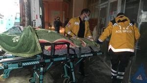 Yüksekovada hasta kadın, yol 4 saatte açılarak hastaneye götürüldü