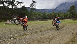 Kemerde yeni turizm trendi; enduro motosiklet eğitimi