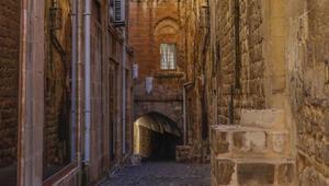 Antik kent Mardinin gizemli yapıları; abbaralar