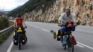 Fransız öğretmen çift bisiklet turuna Türkiyede başladı