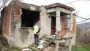 Harabe evde yaşayan yaşlı adam huzurevine yerleştirildi