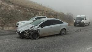 Gercüşte yolcu minibüsü ile otomobil çarpıştı: 1 yaralı