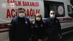 Sağlık çalışanı gönülleri fethetti Beline kadar suda hastasına ulaştı