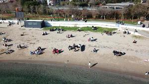 Fenerbahçe Sahilindeki kalabalık havadan fotoğraflandı