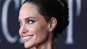 Angelina Jolie, Churchill tablosunu satışa çıkardı