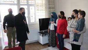 Hakkari Valisi Akbıyıktan şehit ailelerine ziyaret