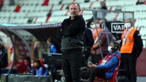 Sergen Yalçın: Yarım pozisyona girmeyen takımdan gol yedik