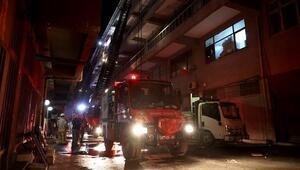 Bayrampaşada plastik atölyesinde çıkan yangın hasara neden oldu