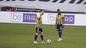 Fenerbahçe evinde vites yükseltti Galatasaray deplasmanda 4 yenilgi yaşadı...