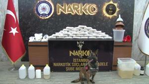 İstanbulda uyuşturucu operasyonu; narkotik köpeği bavuldaki uyuşturucuyu böyle buldu