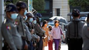 Myanmarda darbe karşıtı protestocular gözaltına alındı