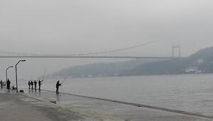 İstanbul Boğazında sisten göz gözü görmedi