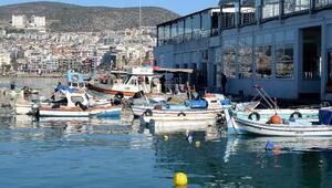 Kuşadası Belediyesinden balıkçı esnafına malzeme desteği