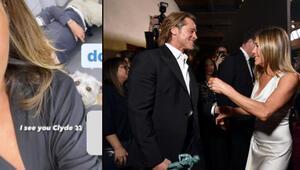Jennifer Aniston ve Brad Pittin hayranlarının soluğu kesildi: O arkadaki adam Brad mi