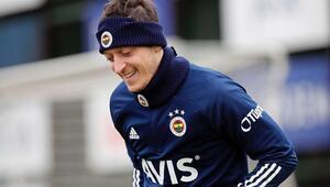 Zenitten Fenerbahçeye Mesut Özil paylaşımı