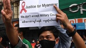 Myanmarda askeri cunta mobil internet erişimini askıya aldı