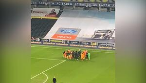 Galatasaraylı futbolcular ve Fatih Terim zaferi böyle kutladı