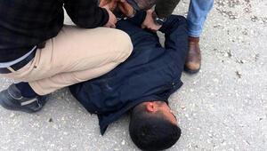 Suç örgütü lideri, polise yakalanmamak için silahlarını eşlerinin çantasında taşıyormuş