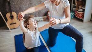 Uzmanı uyardı: Çocuklar için evde düzenli günlük egzersiz programları uygulanmalı