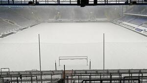 Bundesligada erteleme Arminia Bielefeld - Werder Bremen maçına kar engeli...
