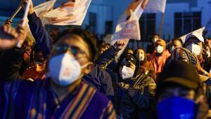 Ekvadorda devlet başkanı seçimini solcu aday Andres Arauz önde götürüyor