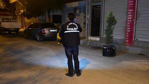 İzmirde aile içi kavga kanlı bitti: 2 yaralı