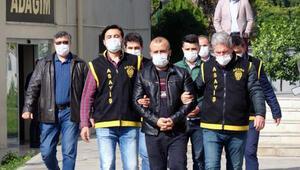 Adana'da haklarında kesinleşmiş hapis cezası bulunan 2 kişi yakalandı