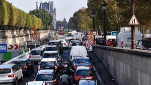 Avrupa'da fosil yakıtlı araç satışı 30 yılın en düşüğünde