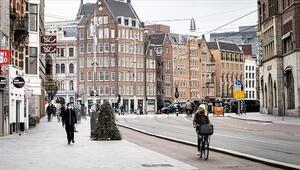 Hollandadan flaş sokak kısıtlaması kararı 3 Marta kadar uzatıldı