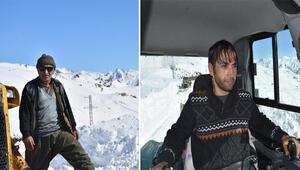 İş makinesi operatörü ve oğlunun eksi 30 derecede karla mücadelesi