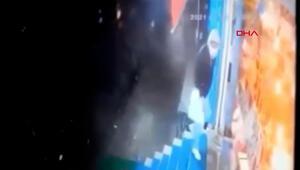 Sultangazide fırtınada çatı uçtu, saniyerle ölümden döndü