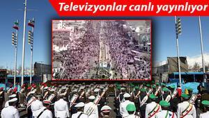 Binlerce insan sokaklara koştu... İran devrimi 42. yılı kutlamalarında koronavirüs unutuldu