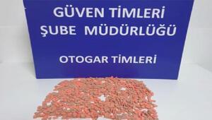 Otogarda yolcunun montundaki uyuşturucular böyle bulundu