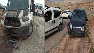Batmanda, hafif ticari araç ile kamyonet çarpıştı: 5 yaralı