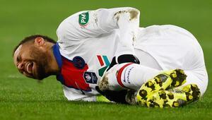 PSGde Neymar şoku Kupa maçında sakatlandı ve Barcelona maçında...