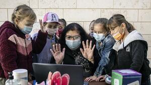 İsrailde koronavirüs vakaları düştü, yüz yüze eğitim başladı