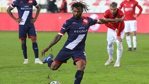 Antalyaspor, Türkiye Kupasında yarı finalde Sivasspor tek golle yıkıldı