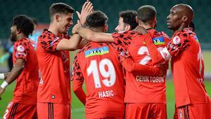 Beşiktaş, Türkiye Kupasında yarı finalde Konyaspor penaltılarda yıkıldı