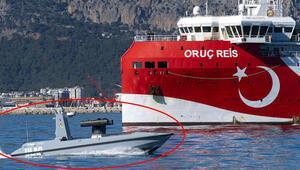 Türkiyenin ilk silahlı deniz aracı ULAQ, suya indirildi