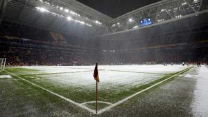 Galatasaray Kasımpaşa maçı ertelenecek mi Karşılaşmanın saat değişikliği gündemde