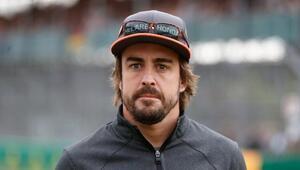 Trafik kazası geçiren Alonso çenesinden ameliyat edildi