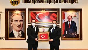 Amasya Valisi Masatlıya Mustafakemalpaşadan fahri hemşehrilik beratı