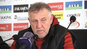 BB Erzurumsporda Mesut Bakkaldan maç sonu Cüneyt Çakıra övgü