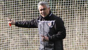 Gençlerbirliği Teknik Direktörü Mehmet Altıparmak: Beşiktaşı yenmek istiyoruz