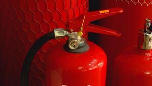 Yangın söndürme tüplerine dikkat: Mermer tozu bile koyuyorlar